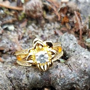 Jewelry - .41 ct Moissanite Flower Ring - Size 6